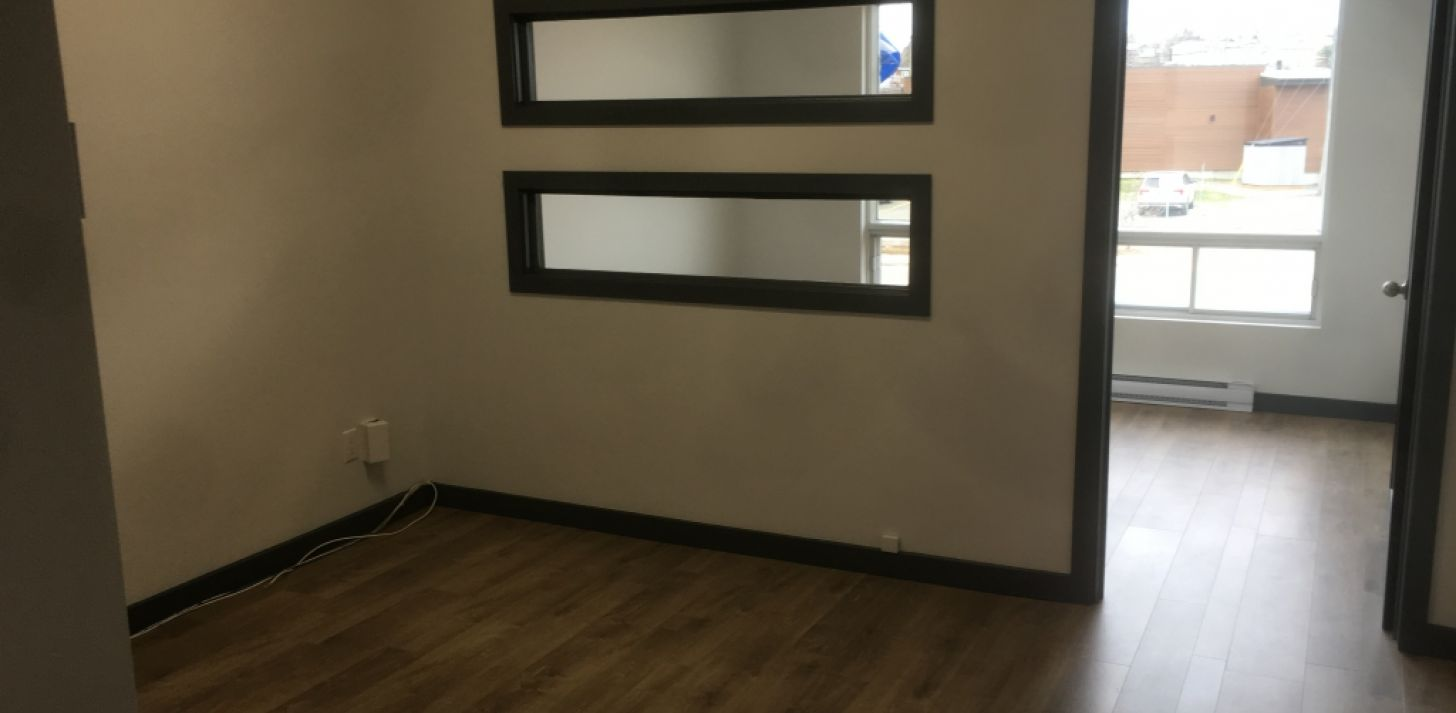 Local divided in 2 distinct office - For Rent