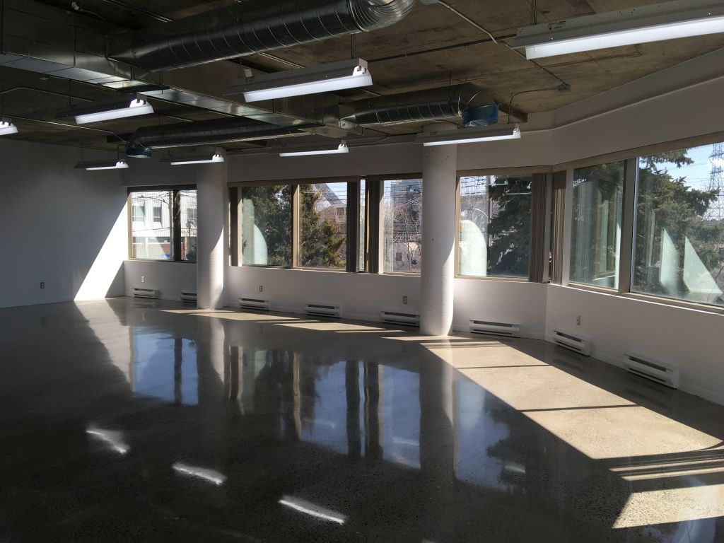 Industrial space 623 to 1424 sq.ft. in Montreal-Nord!