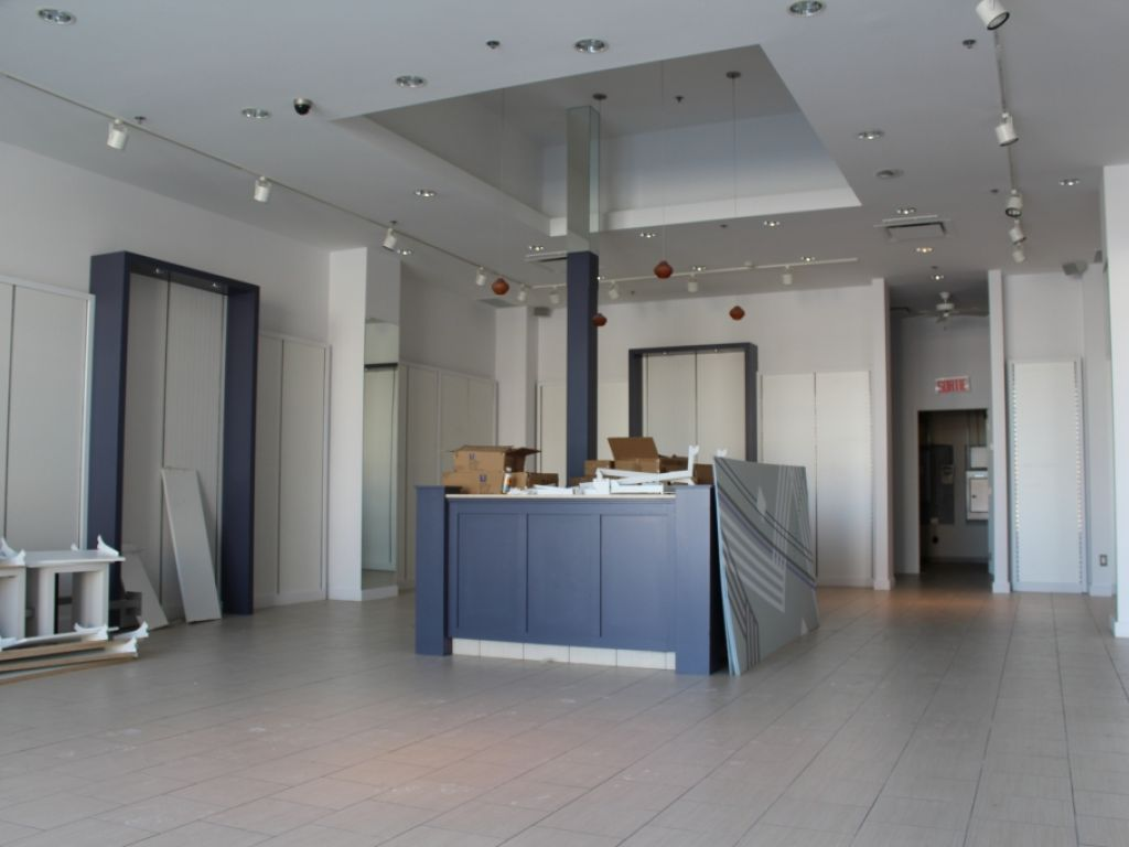 Commercial space in Quartier DIX30!