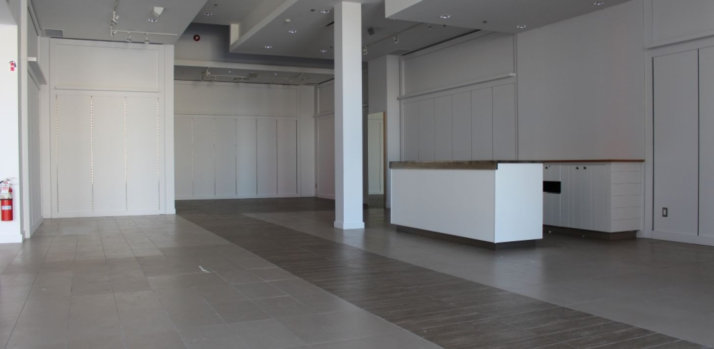 Commercial space in Quartier DIX30! - For Rent